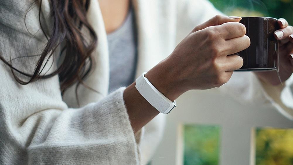 bond touch vs hey bracelet
